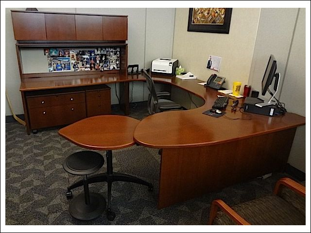 32 best jerry 39 s office images on pinterest office desks for Classic home designs collierville tn