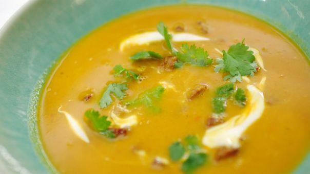 http://www.een.be/programmas/dagelijkse-kost/recepten/kikkererwtensoep-met-chorizo