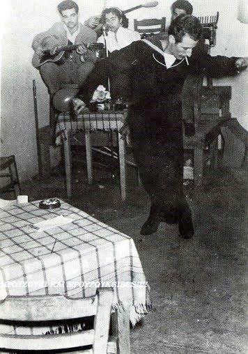 Η φωνή της ψυχής.. O εσωτερικός θρήνος του άντρα .. Ο μοναχικός χορός που εκφράζει τα συναισθήματα αυτού που τον χορεύει.. ν...