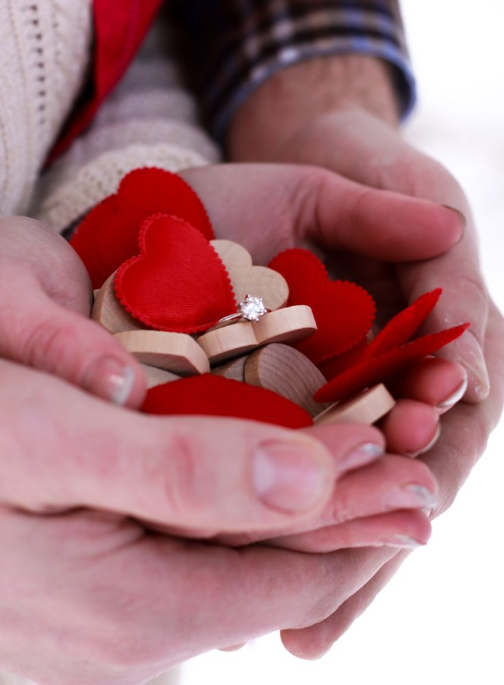 sweet and simple engagement idea #engagement #photography #hearts http://strawberrypatchphoto.com/
