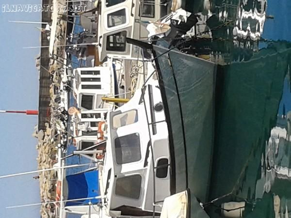 1000 images about barche a motore motor boat on for Gozzo motore entrobordo