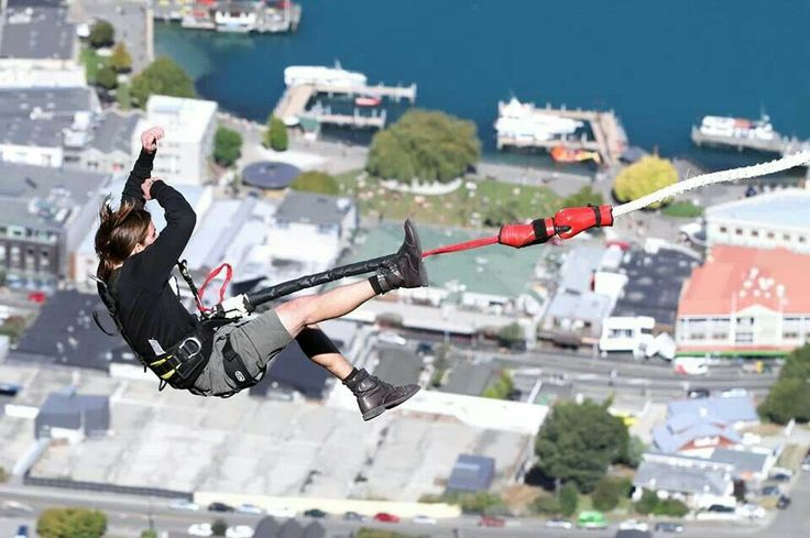 Jeff Montalvo bungy jumping in Queenstown