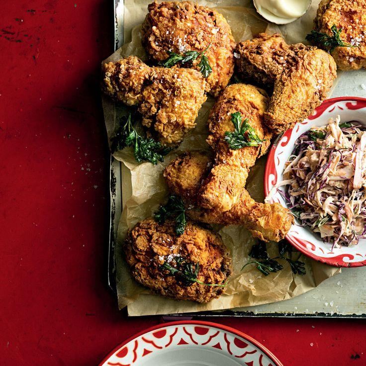 How to make Fried Chicken - the ultimate finger-lickin' comfort food! #FriedChicken #ComfortFood