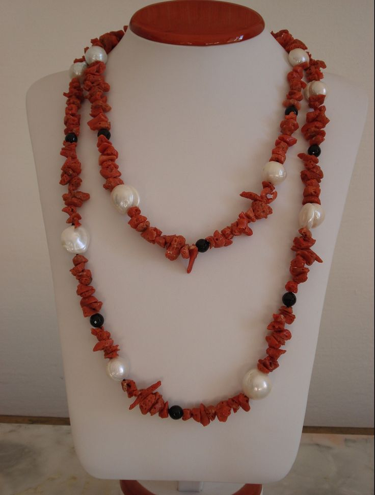 Collana di corallo, perle barocche e onice nero : Collane di my-jewels