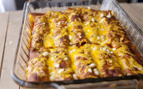 Macheesmo: Chili Gravy Enchiladas