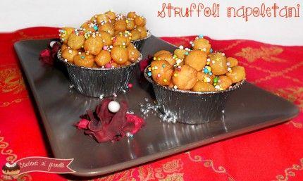 ricetta struffoli napoletani al miele dolce tipico di natale