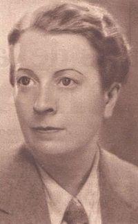 Encarnación Aragoneses de Urquijo, conocida por Elena Fortún (Madrid, 1886-1952), fue una escritora española de literatura infantil y juvenil. Estudió Biblioteconomía en el Inst. Internacional de Boston (Madrid). Perteneció a la Sociedad Teosófica de Madrid y al Lyceum Club, la 1ª Asociación femenina a favor de los derechos de la mujer, entre cuyas integrantes se encontraban María de Maeztu, Zenobia Camprubí y Victoria Kent.