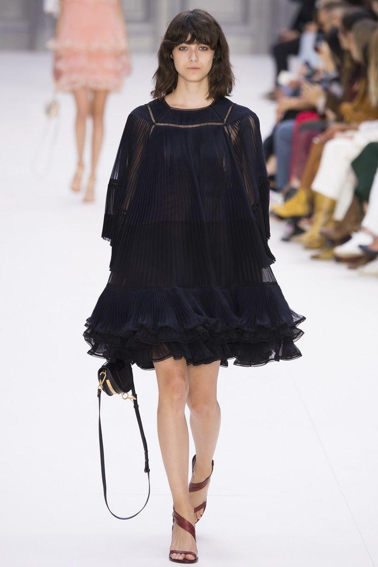 Paris Fashion Week, gli abiti floreali anni 70 di #Chloé #fashionpress