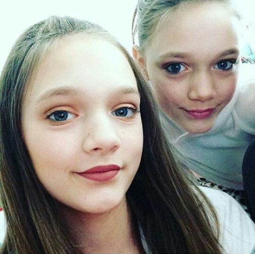 daisy and phoebe tomlinson birthday - Cerca con Google