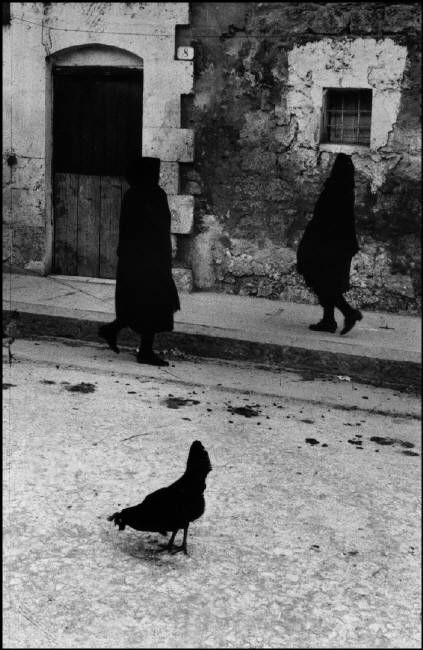 Sergio LARRAIN :: Village of Villalba, Sicily, 1959