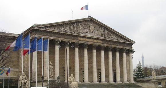 Étudiants étrangers : bientôt un titre de séjour pluriannuel pour tous (France)