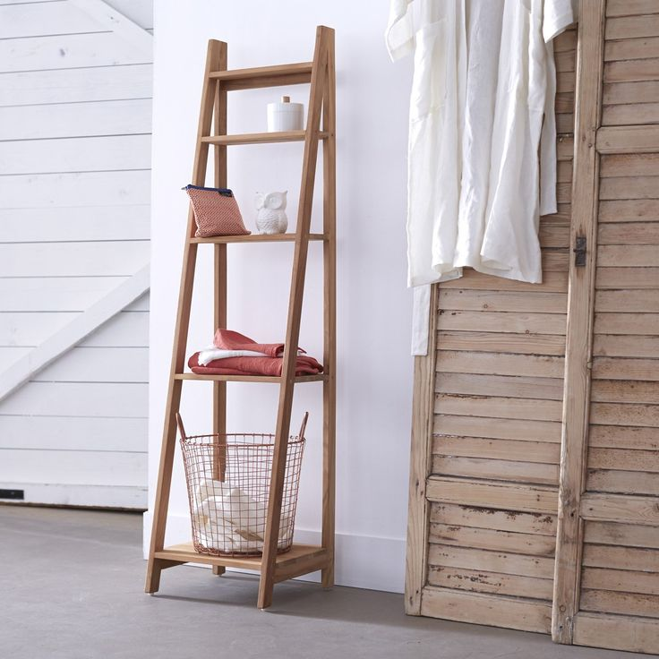 Teck Bahya Step Teak Bathroom Stand