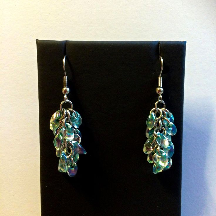 Chainmaille beaded earrings - Green lined crystal by TrinketFairyDesigns on Etsy