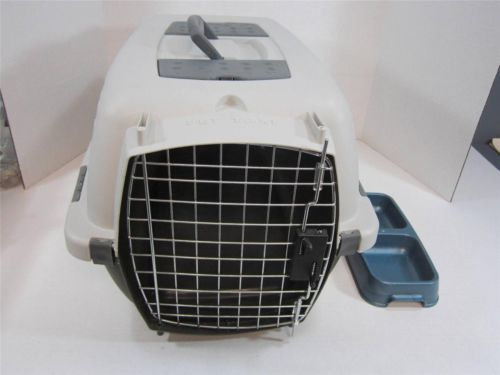 """Petmate Hard Shell Pet Taxi For Small To Medium Pets 22 1/2"""" x 13 1/2"""" x 12 1/2"""""""