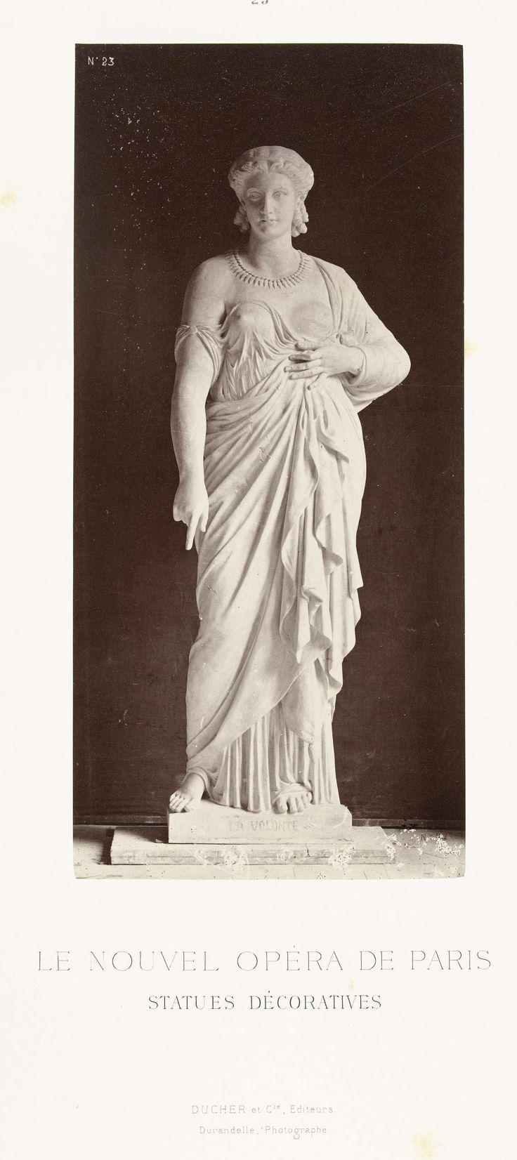 Louis-Emile Durandelle | Marmeren beeld van een vrouw in een gewaad met een ontblote borst, de wijsvinger aan haar rechterhand wijst naar beneden., Louis-Emile Durandelle, Ducher et Cie, c. 1878 - 1881 |