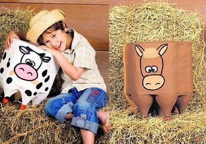 asiento reciclado con botellas de los animales de la granja!