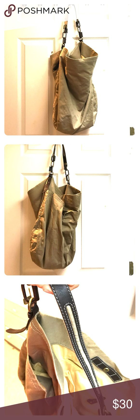 Oversized Bucket Bag Large Gap purse, holds EVERYTHING, flawless/excellent condition GAP Bags