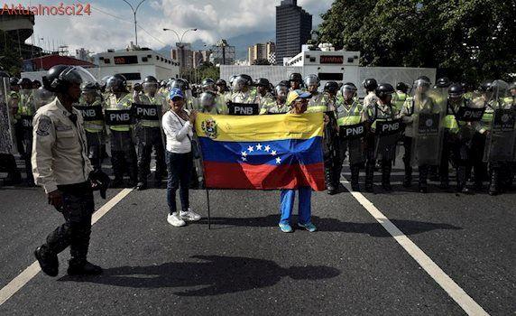 Pogrążona w chaosie Wenezuela zmieni konstytucję? Maduro: Nie chcę wojny domowej