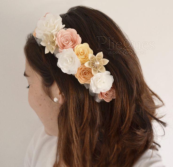 Tocado de papel para Novias #tocado #headpiece #hairpin #paperflower #novias #bridalcomb #brides