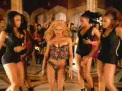 Lil Kim - No Matter What They Say (Video) reminds me of the girls from SATC