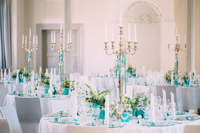 Planning your wedding on Schloss Ettersburg? Then have a look at this beautiful summer wedding to inspiration and book your wedding date today.