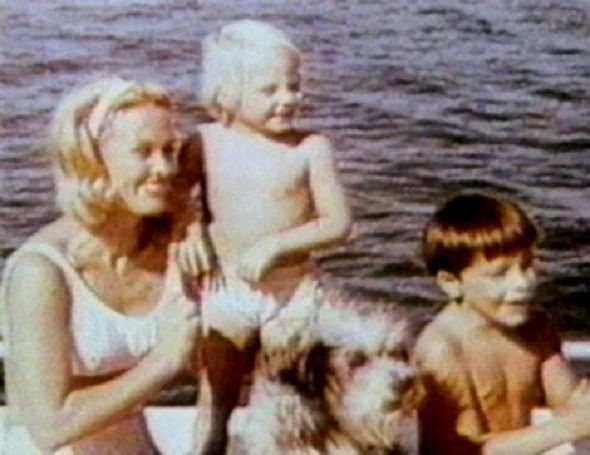 Coppertone TV commercial, 1965. Three year old Jodie ...