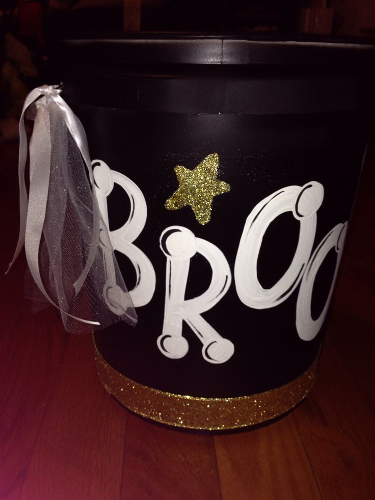 How to make a cheer bucket DIY sparkleeveryoccasion.com
