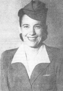 piloto el 3 Febrero de 1940. Hace su primer vuelo en un Lodestar a Antofagasta con 14 pasajeros