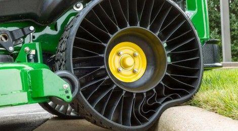 Michelin X Tweel airless tyres for John Deere