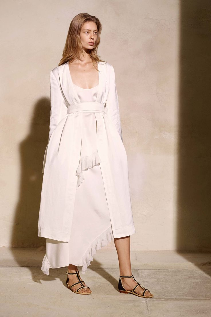 Elizabeth and James Spring 2017 Ready-to-Wear Collection Photos - Vogue