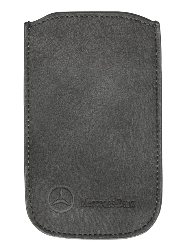 Smartphone sleeve, Women grey, leatherette Part number:     B66951566 Colour:     grey Material information:     leatherette  Smartphone sleeve, suitable for iPhone® 4, grey. Faux leather. Pink lining. Perforated pattern on front. Embossed logo. Size: approx. 7.7 x 12.5 cm.