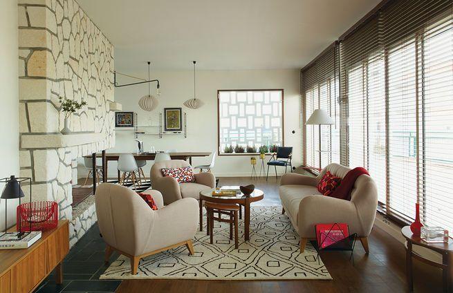 http://proposdeco.com/wp-content/uploads/2015/01/royan-treatment-living-room-stone-fireplace-vintage-new-furnishings.jpg