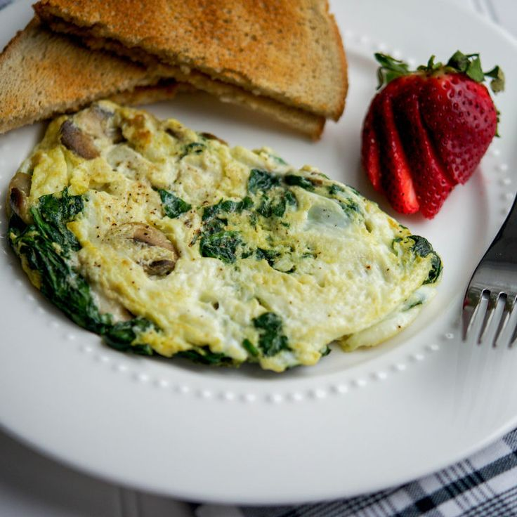 Spinach, Mushroom and Havarti Omelet #breakfast #easy #quick http://greatist.com/eat/insanely-easy-blogger-breakfasts