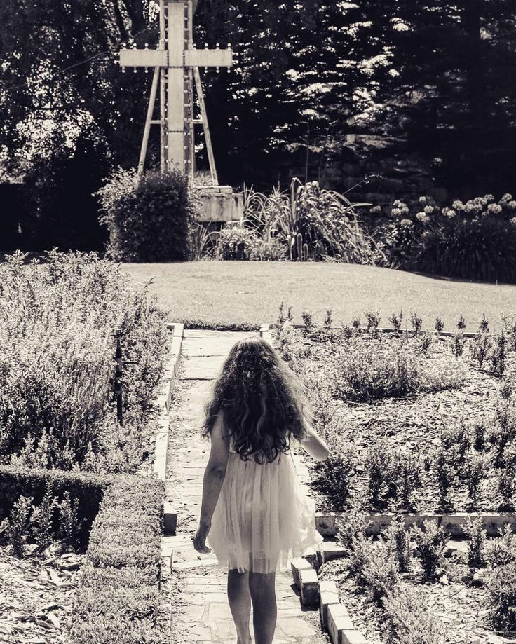 #Repost @maddycheyne  Happy easter #easter #cross #warrnambool #3280 #blackandwhite #fletcherjonesgardens #destinationwarrnambool by destinationwarrnambool