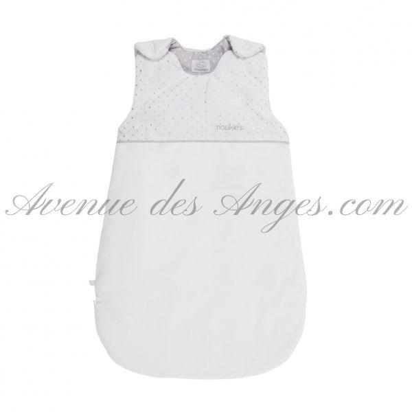 Gigoteuse 70 cm Poudre d'étoiles - Noukies :  pour votre bébé, choisissez le confort et la qualité d'une gigoteuse Noukies. Toute la collection Poudre d'étoiles sur AvenueDesAnges.com http://www.avenuedesanges.com/fr/noukies-poudre-d-etoiles/4153-gigoteuse-70-cm-5413042536584.html