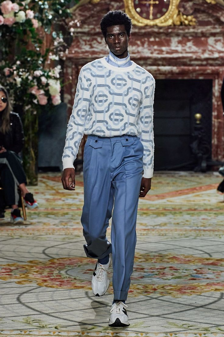 Casablanca Fall 2020 Menswear collection, runway looks, beauty, models, and reviews.