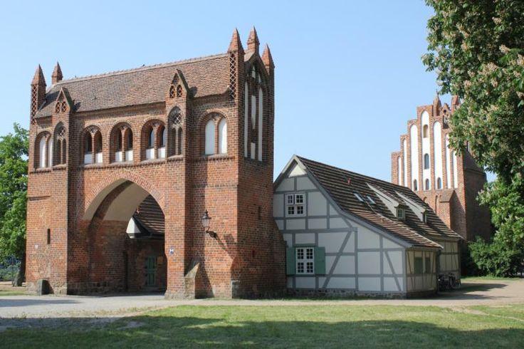 Zollhaus in der Stadtmauer von Neubrandenburg