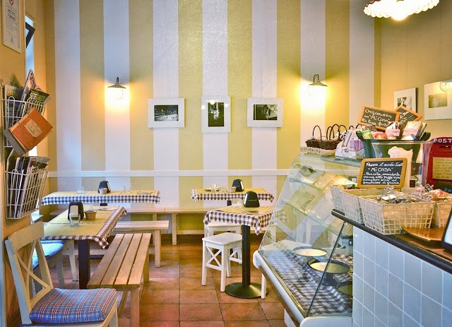 Toasteria Mi Casa  via Matteo Maria Boiardo 19 Milano (fermata metro rossa Turro)