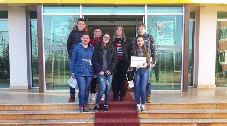 """Гердан од награди за учениците од ОУ """"Кочо Рацин""""- Охрид на регионалниот натпревар по математика и физика"""