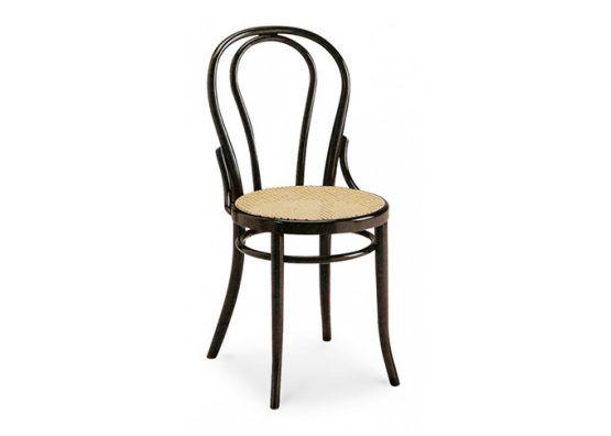 Sedia in legno di faggio curvato con seduta in paglia di vienna.  Possibilità di seduta con rivestimento in pelle o tessuto | Bent beechwood chair with seat in Viennese straw, leather or fabric.    art.100    #interiordesign #chair #design #madeinitaly