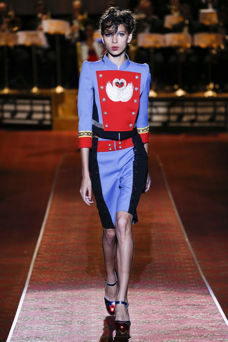 Marc Jacobs Spring 2016 Ready-to-Wear Fashion Show - Natalie Westling colour blocking