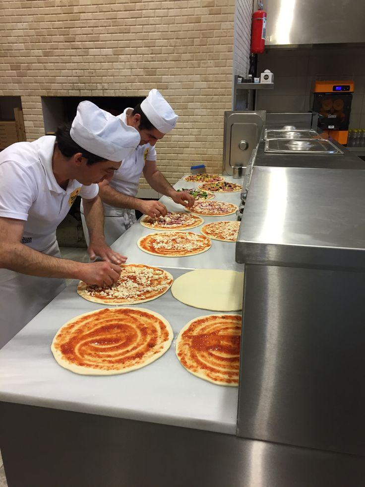 Seventeen Pizza