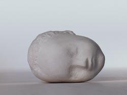 Constantin Brancusi  Head of Sleeping Child, 1908  Uiteindelijk komt hij hier uit. Hij vond een ronde vorm een dode vorm. Alle kanten op is de zelfde afstand tot de rand en bij een ellips is dat niet. Een ellips is de vorm van het leven.   Ook hier komt de sokkel weer terug en het word steeds meer een geheel.