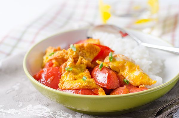 Tomato and egg stir-fry recipe - a classic, healthy and simple Chinese main dish only takes 10 minutes to cook. Recipe with step-by-step images and video.