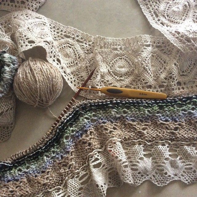 #вязание моя авторская техника ввязывания кружева. Купить мастер-класс на сайте www. Triskeli.ru #баваль