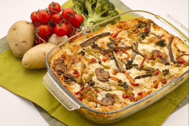 Le lasagne vegetariane sono un primo piatto sostanzioso e gustoso che ben si adatta ai propri gusti personali e che gli amanti delle verdure adoreranno.