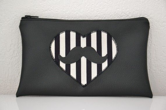 """""""Moustache Meets Burton"""" pouch in fake leather"""