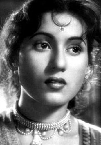 The ultimate beauty, Madhubala was to Bollywood what Marilyn Monroe was to Hollywood. Born as Mumtaz Begum Jehan Dehlavi in 1933 to a poor Pathan couple, Madhubala was one of 11 children. By virtue of sheer destiny, when her family relocatede from Delhi to Mumbai, Madhubala began her tryst with films. She was only 14. A so-far inert heart problem all but ended her successful run in 1950.