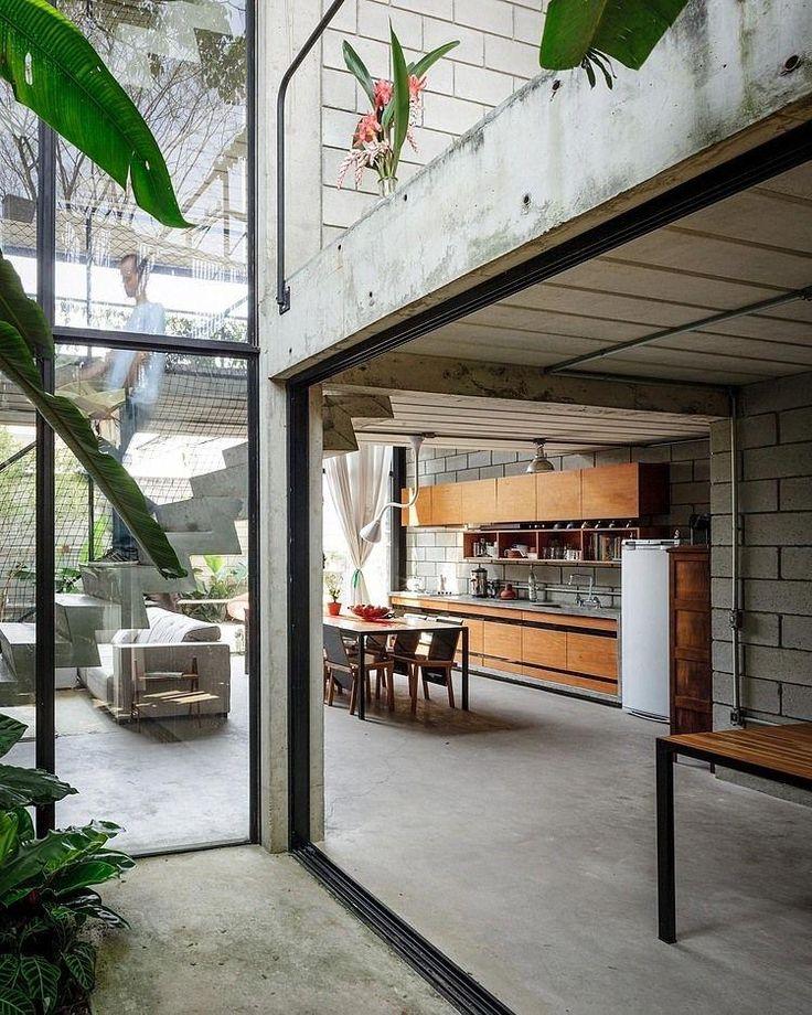 Modern Home Located In Montonate Italy: Contemporary House Interior Located In Brazil
