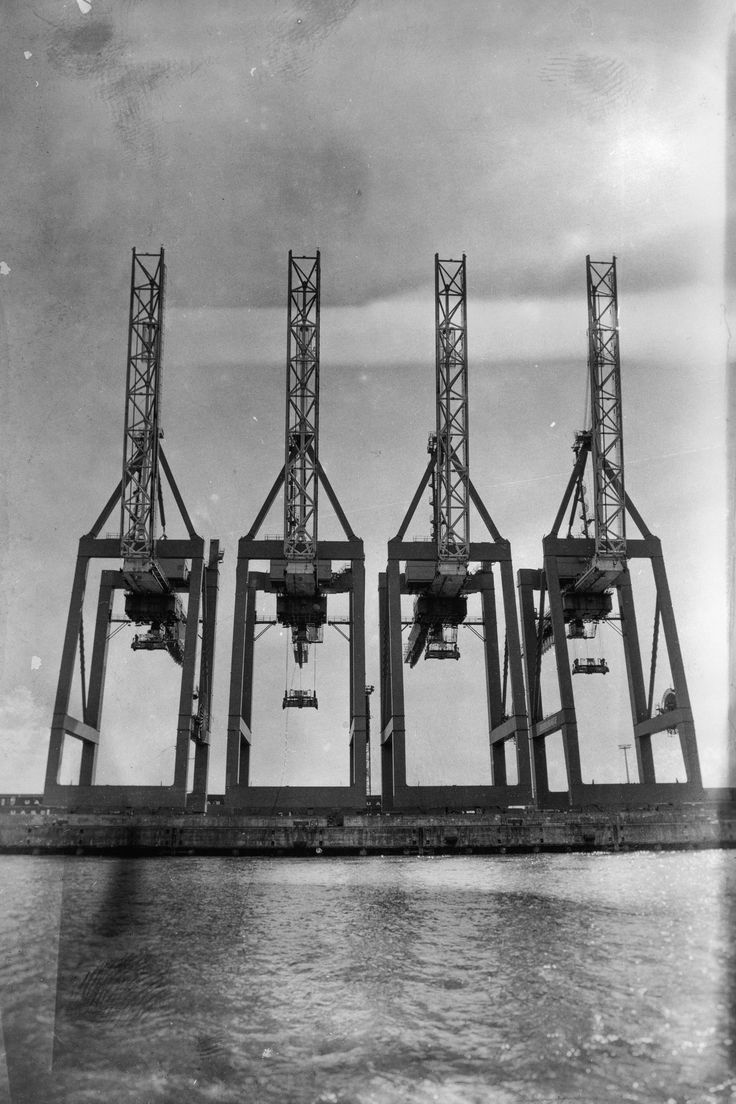 Hamburger Hafen   4 in schwarz und weiß   Hamburg Foto und Bilder   Hamburg   Scr … –   #